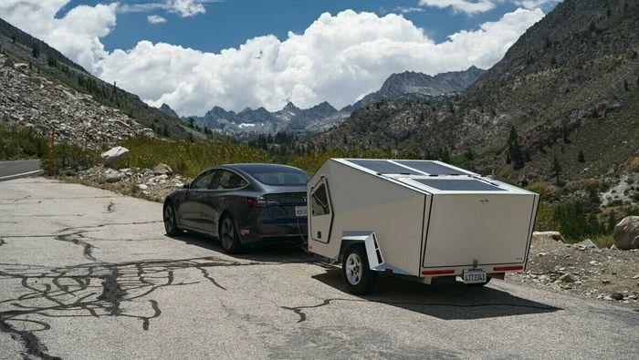 Polydrops har utviklet en særlig aerodynamisk liten campingvogn som skal gi 20-25 prosent økt forbruk.
