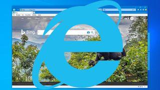 Bing vises i Internet Explorer 11 i Windows 10, med en stor IE-logo foran.