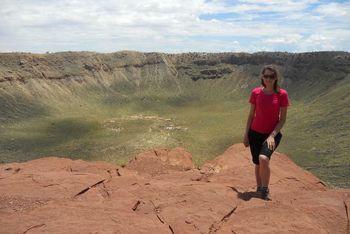 Agata Krzesinska ved Barringerkrateret i Arizona.