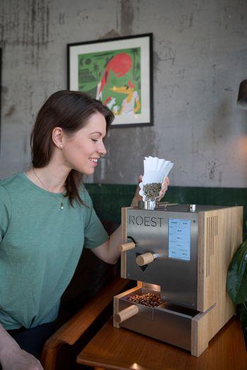 Prøvebrenneren gjør det lett å brenne små mengder kaffe etter hverandre.