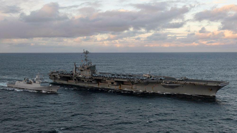 USS Harry S. Truman og KNM Thor Heyerdahl under Trident Juncture 2018