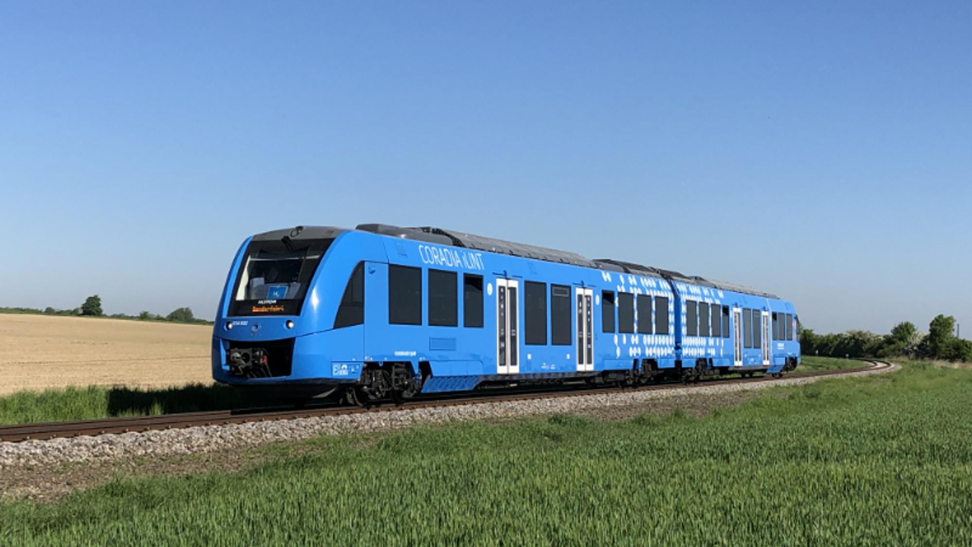 Italia satser stort på hydrogentog. Her et bilde av Alstoms Coradia iLint som er i drift i Tyskland.