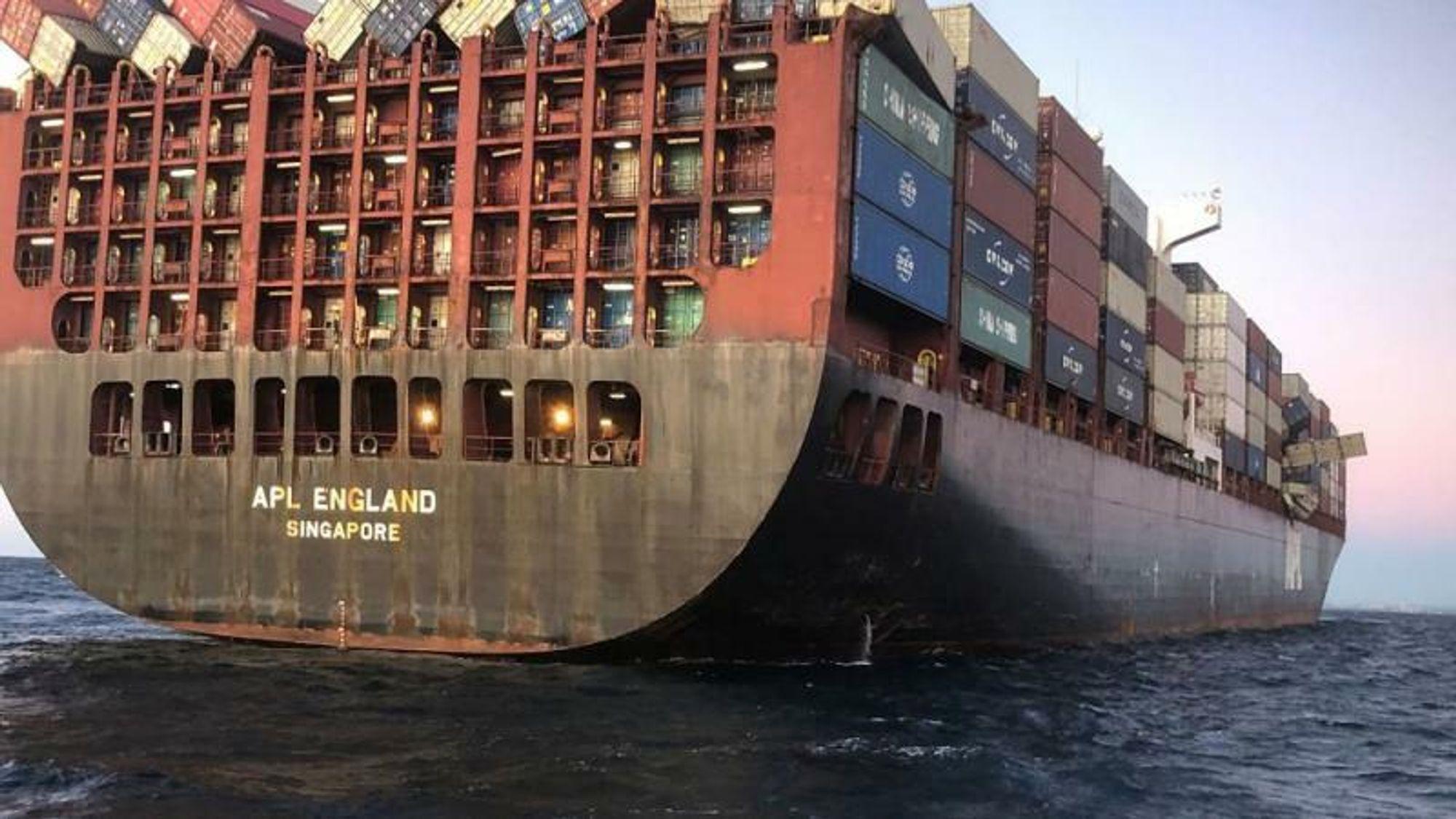 Skipet APL England har flere ganger mistet containere, senest våren 2020. Da mistet skipet 40 containere, noe som gjorde at ansiktsmasker og ødelagte kjølebeholdere ble skylt opp utenfor Sydney.