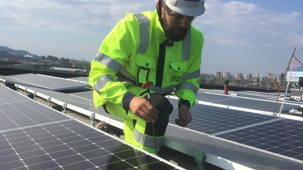 Det meste av solkraftutbyggingen vil bli montert på industritak og næringsbygg fremover, ifølge rapporten «Verdiskaping og ringvirkninger av solkraftutbygging i Norge mot 2040».