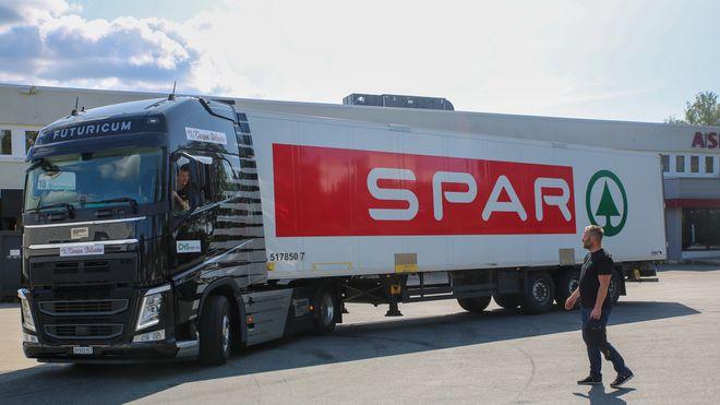 Emma, Norges første elektriske tung lastebil, ruller i disse dager på Norges veger.