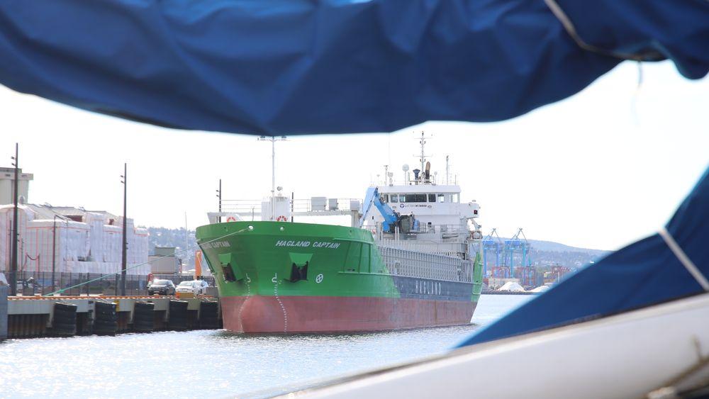 Hagland Captain på snarvisitt i Oslo for å markere at skipet er ferdig bygget til å bli verdens første ombygde bulkskip til batterihybrid drift.