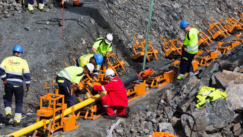 Juridisk skal det mye til å strupe handelen på en kraftkabel. Bildet er fra byggingen av Nordlink-kabelen til Tyskland.