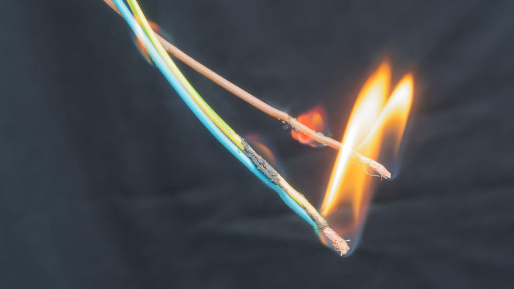 Mikronett, der strøm kommer fra flere kilder og alle kanter, kan føre til at normalt brannvern ikke lenger fungerer – om ikke anlegget er designet og dimensjonert riktig.