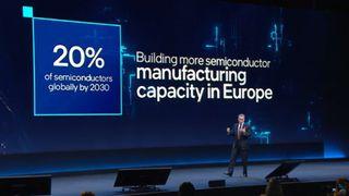 Intel-sjef Pat Gelsinger på scenen under IAA Mobility-konferansen i München 7. september 2021.