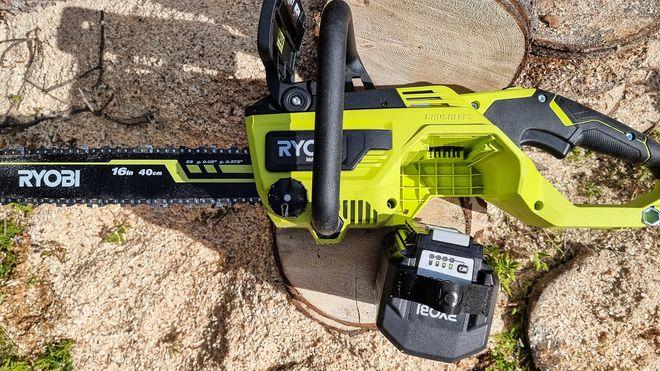 Ryobis nye batterielektriske motorsag kan konkurrere med de aller kraftigste