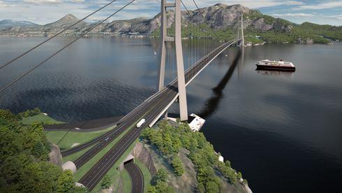Hengebrua på den planlagte kryssingen av E39 Romsdalsfjorden over Julsundet sett mot Julbøen.