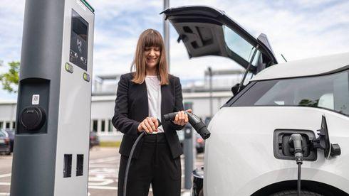 Bosch hevder at deres nyhet derfor veier 40 prosent mindre enn konvensjonelle kabler, og at den gir større fleksibilitet ved at den kan brukes til både vegguttak og ladebokser.