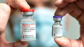 Studie: Moderna-vaksinen gir bedre langtidseffekt enn Pfizer