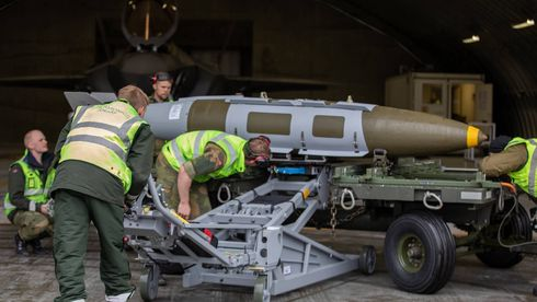 Luftforsvaret har for første gang sluppet skarpe bomber fra F-35 i Norge
