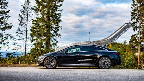 Test: Vi mister munn og mæle i førersetet på Mercedes-Benz EQS
