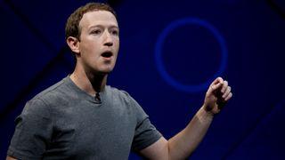 Facebook-aksjonærer: Facebook betalte for å beskytte Zuckerberg