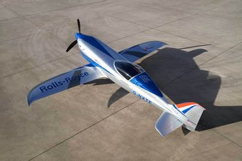Rolls Royce skal etter planen levere elektriske fly til Widerøe.