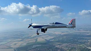 Spirit of Innovation skal ha en ekstrem energitetthet, som skal rekke til å fly London–Paris på én lading.