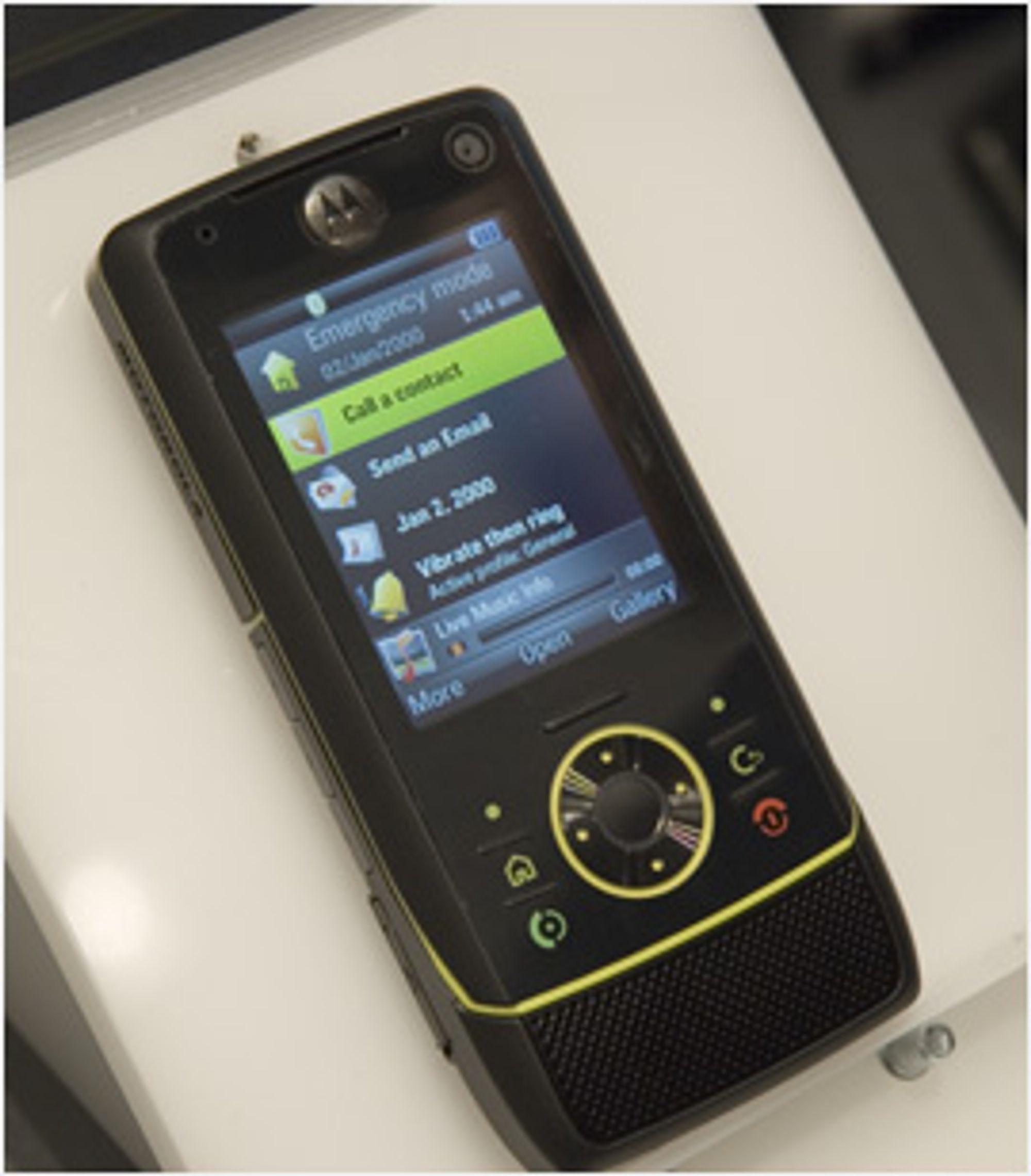 Motorola Z8 fungerer som en gjenlukket Sony Ericsson P990i