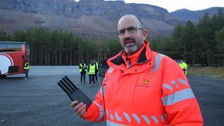 Statens vegvesen og FFI tester jamming og spoofing av biler i Skibotn i Troms.