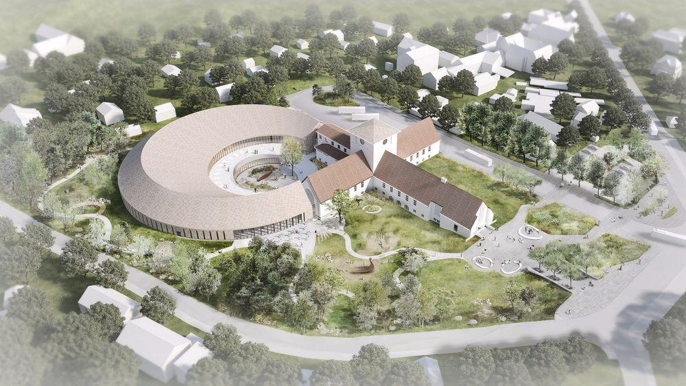 Inkludert utstyr får det nye Vikingtidsmuseet en prislapp på nærmere en milliard kroner. Den buete delen er nhelt ny mens deen forsformete delen er eksistrende bygg som blir oppgradert.
