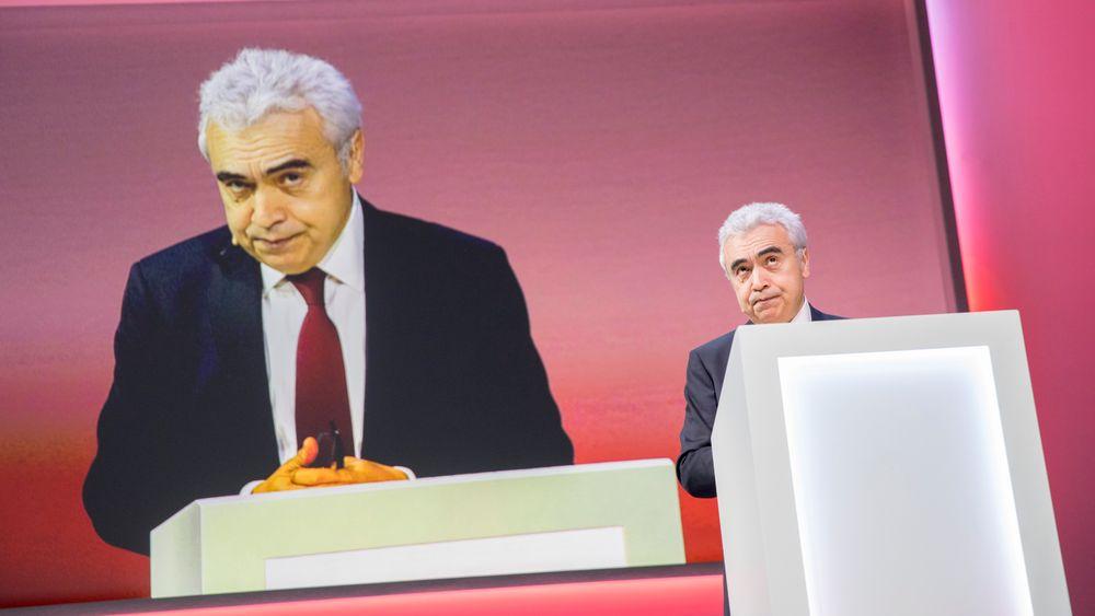 Verden må mer enn tredoble investeringene i ren energi og infrastruktur de neste ti årene for å nå klimaløftene, sier lederen for Det internasjonale energibyrået (IEA), Fatih Birol.