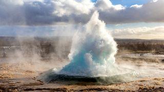Island har med sine varme kilder og spesielle geologi svært gode forutsetninger for å utnytte jordvarme.