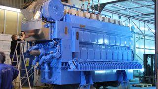 Hurtigruteskip får nye dieselmotorer – kutter 25 prosent utslipp