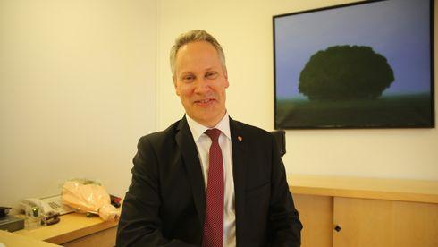 Samferdselsminister Jon-Ivar Nygård etter nøkkeloverrekkelse i departementet, oktober 2021.
