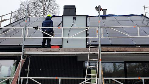 Solceller, solenergi, hustak, tak, verden, energibehov, bærekraft, studie, rapport, strømpris, regler, elektrisitet