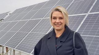Nyslått olje- og energiminister Marte Mjøs Persen mener solenergi kan skape industriarbeidsplasser i Norge.