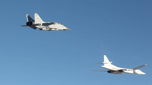 Midt i den siste testen av F-35 sendte Russland seks fly til norskekysten