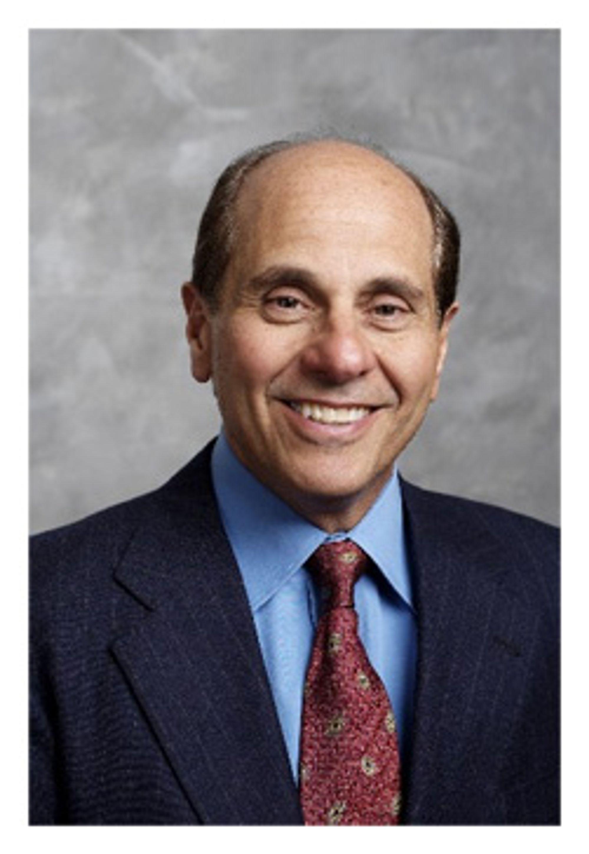 Edward J. Zander opplyser om lave tall fra Motorola, men forventer likevel å holde tallene for 2007 grønne. (Foto: Motorola)
