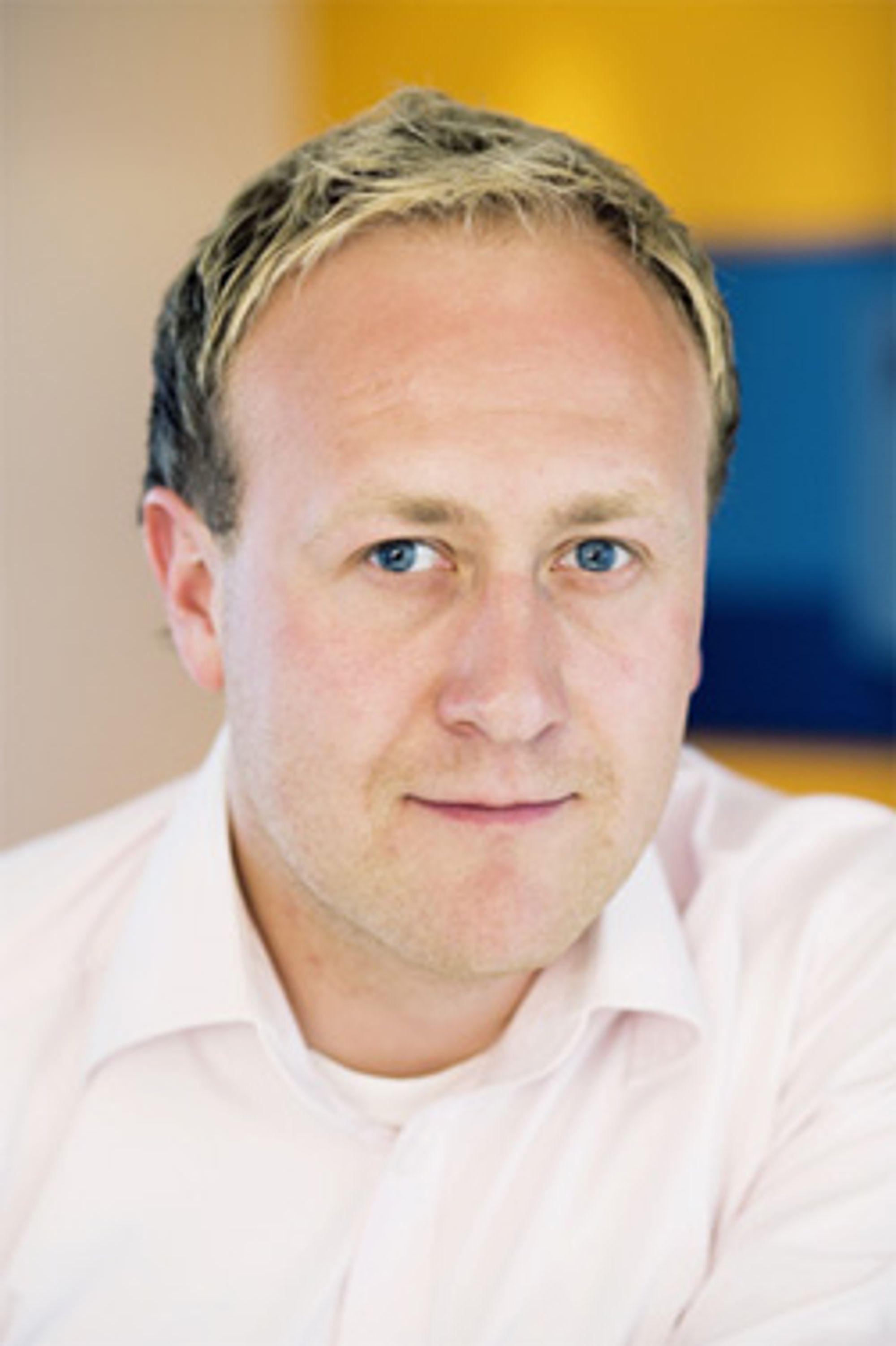 Øyvind Vedehus er stolt over at NetCom kan holde prisene nede samtidig som hastigheten øker brutalt. (Foto: NetCom)