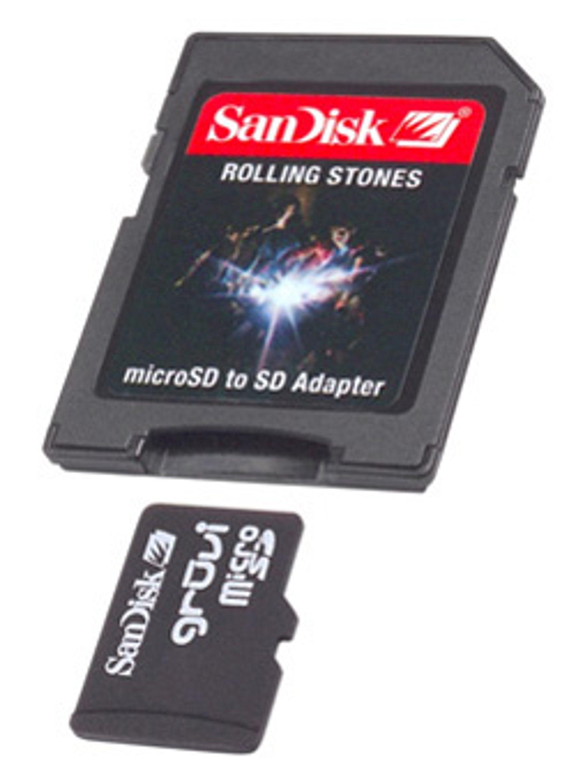 Er MicroSD-kort gjøres om til et vanlig SD-kort med et medfølgende adapter.