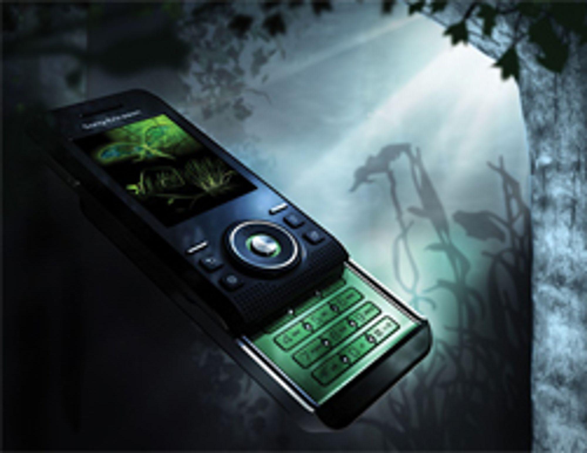 S500i er en skyvetelefon med fokus på stemning.