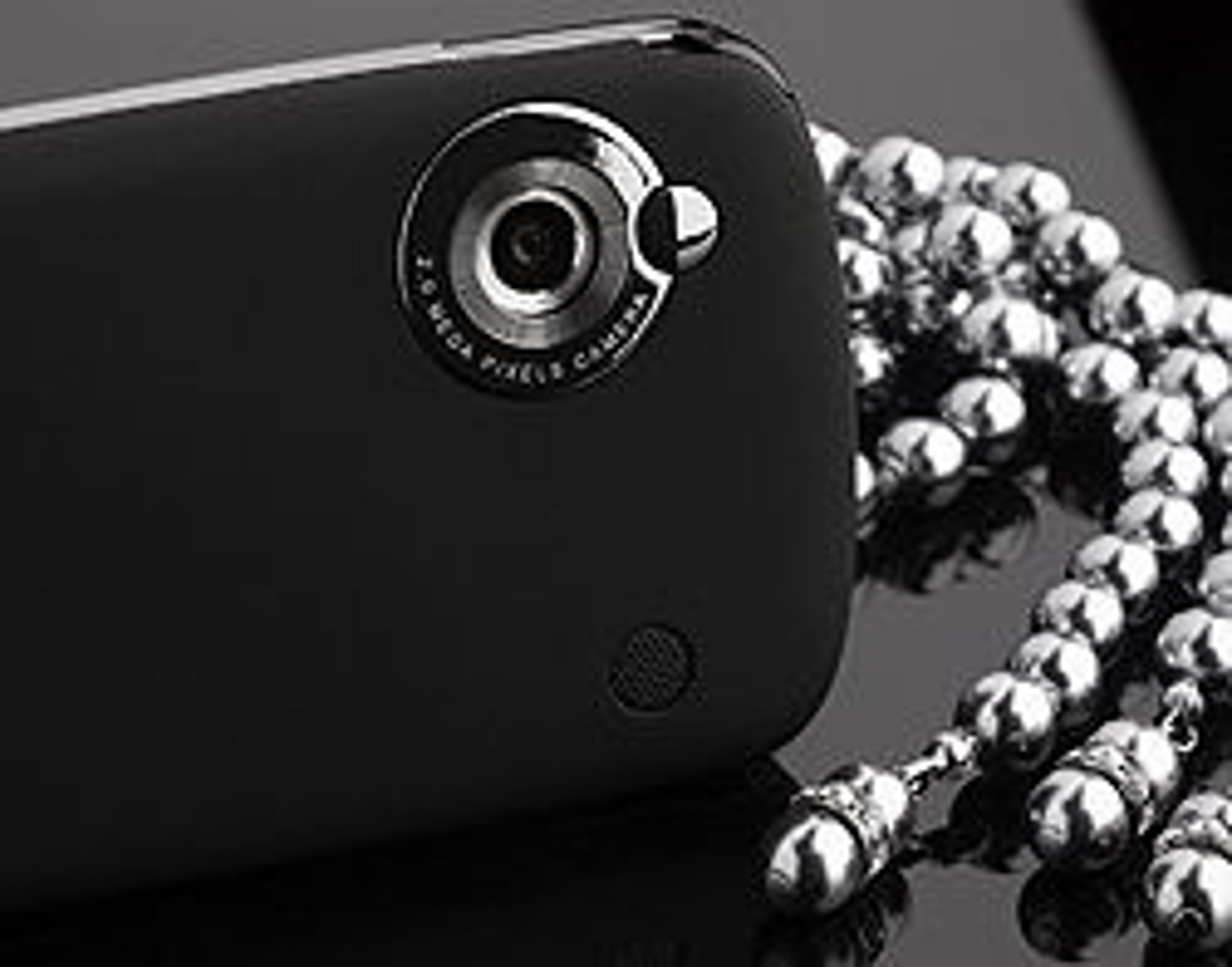 Kameraet på baksiden tar bilder i to megapikslers oppløsning.