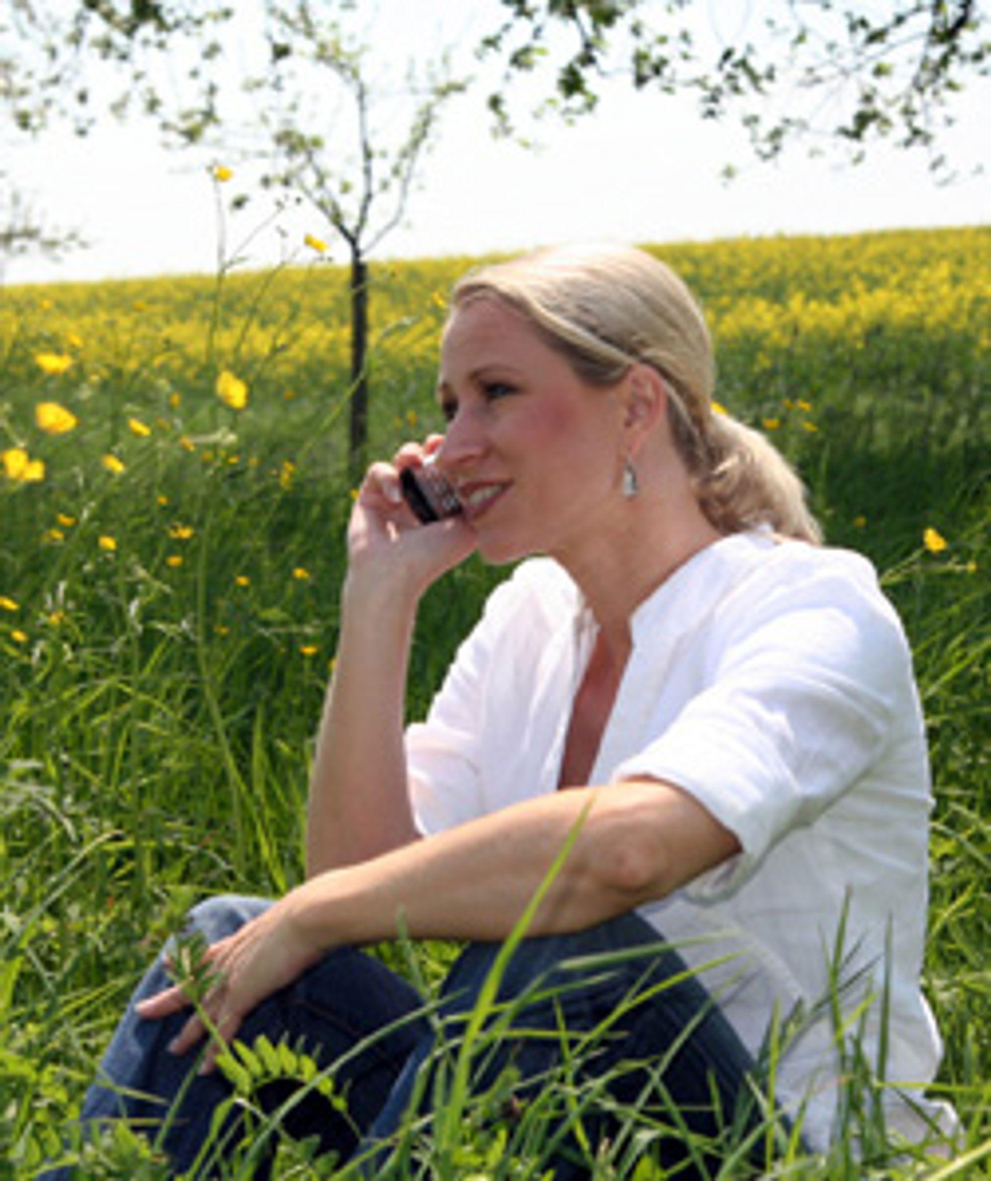 Er du One Call-kunde og bor på bygda, vil du fortsatt ringe i Netcoms nett. (Foto: Istockphoto / Tom Gufler)