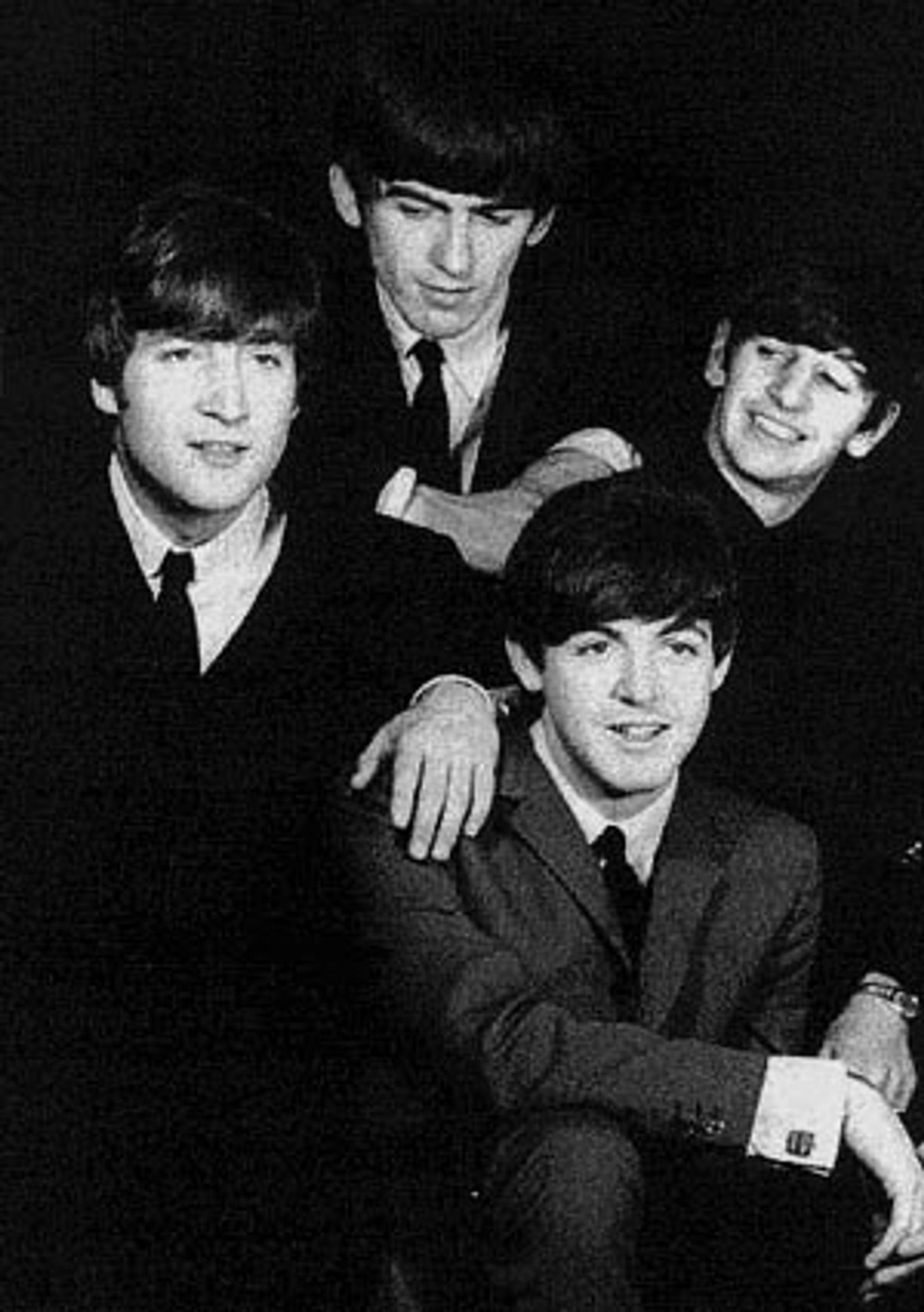 Gutta i Beatles får en statue i Hamburg.