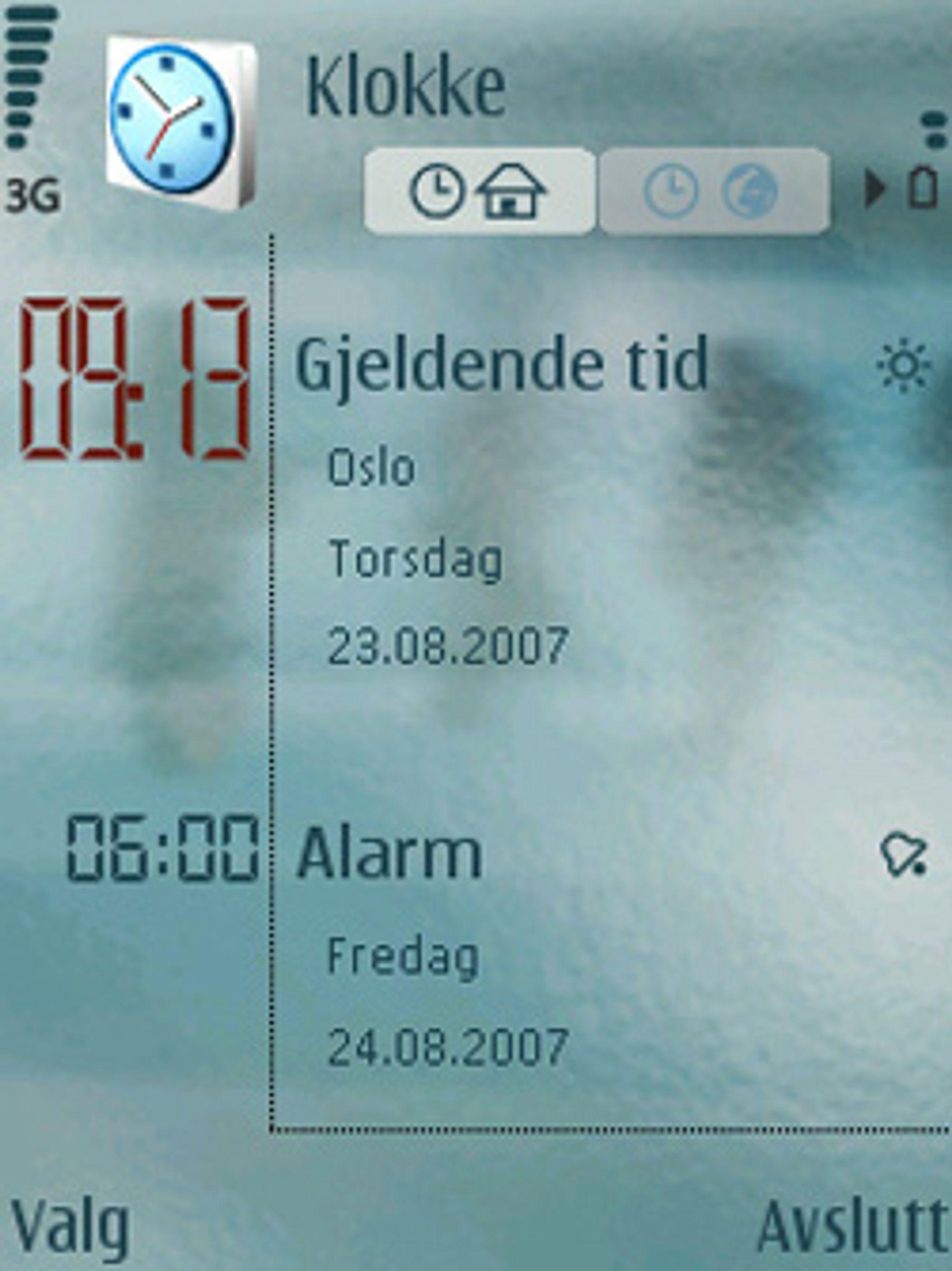 Mobilen gir deg oversikt over både tiden og aktiverte alarmer. (Foto: Einar Eriksen)