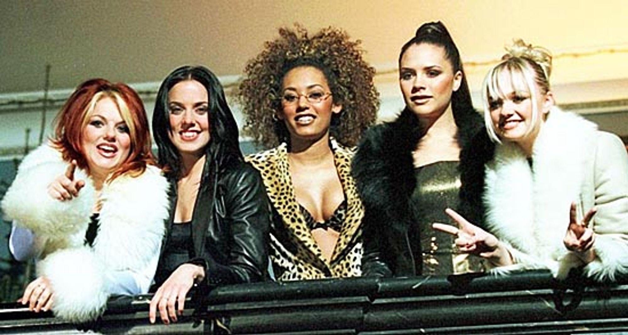 Girl Power er på vei tilbake. Spice Girls er fortsatt populære etter mange års fravær, om vi skal ta tempoet på billettsalget som en indikasjon.