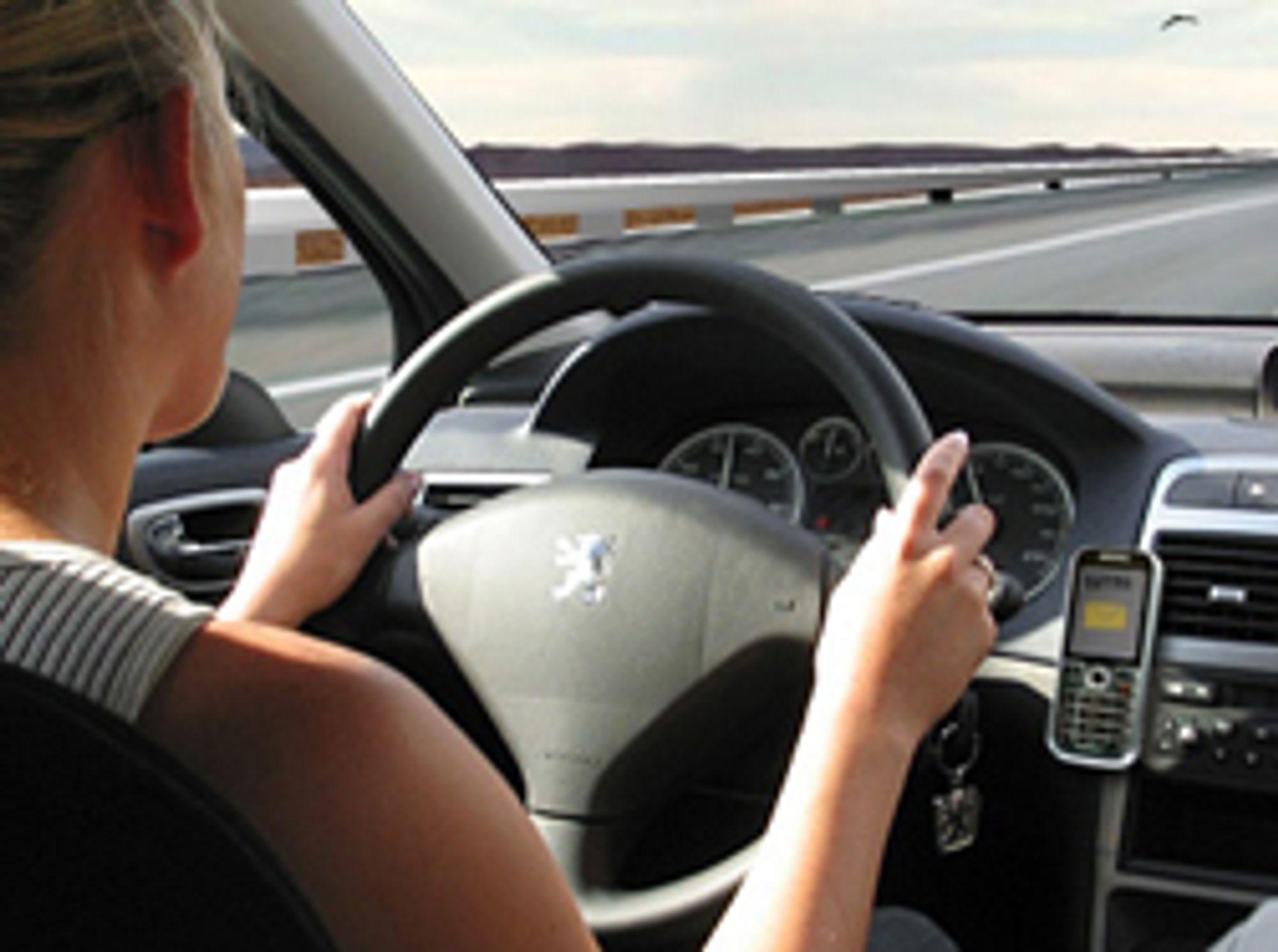 Nå kan du få trafikkmeldinger oppringt og opplest. (Foto: InteleSMS)