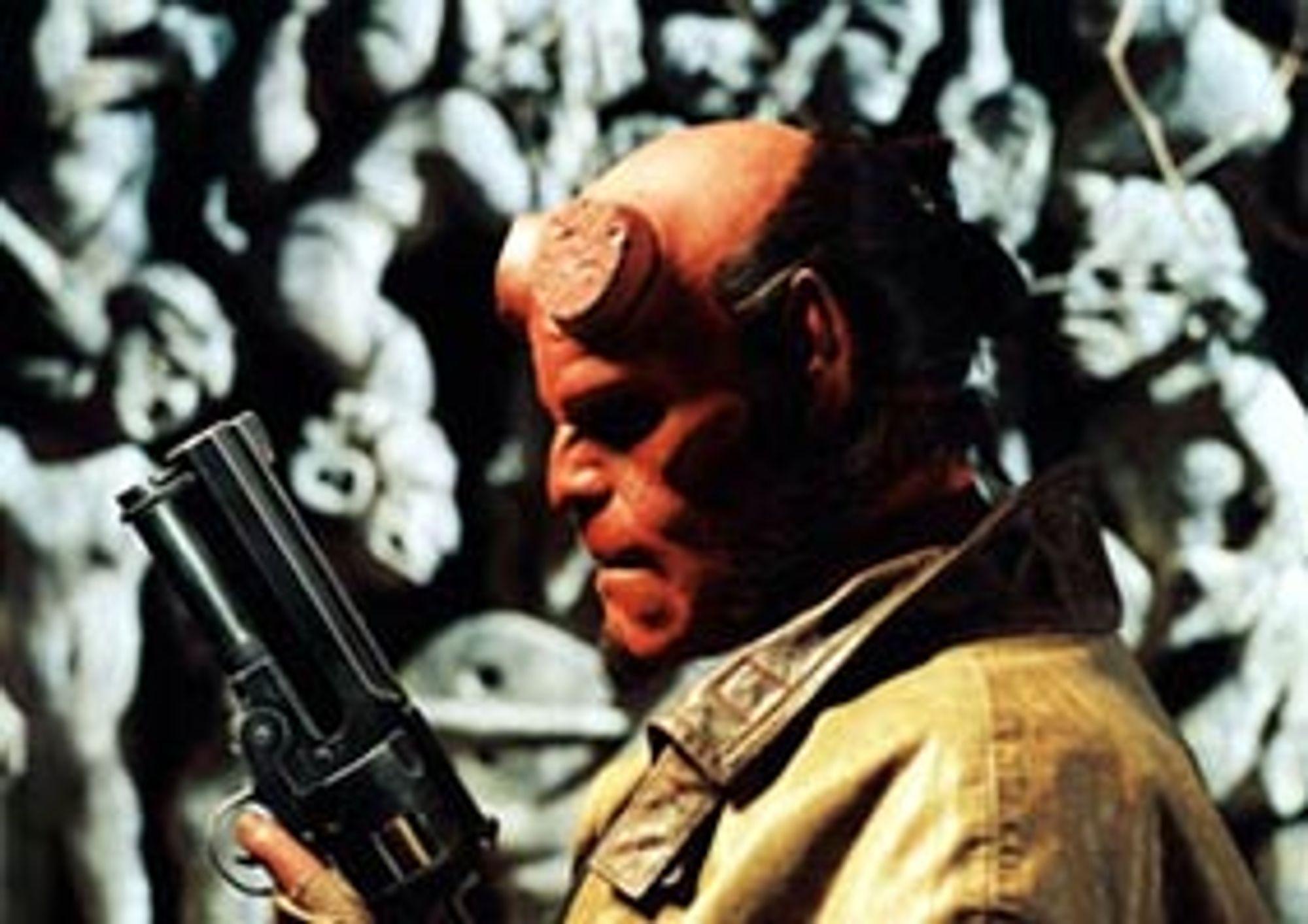 Hellboy skal redde verden, igjen.