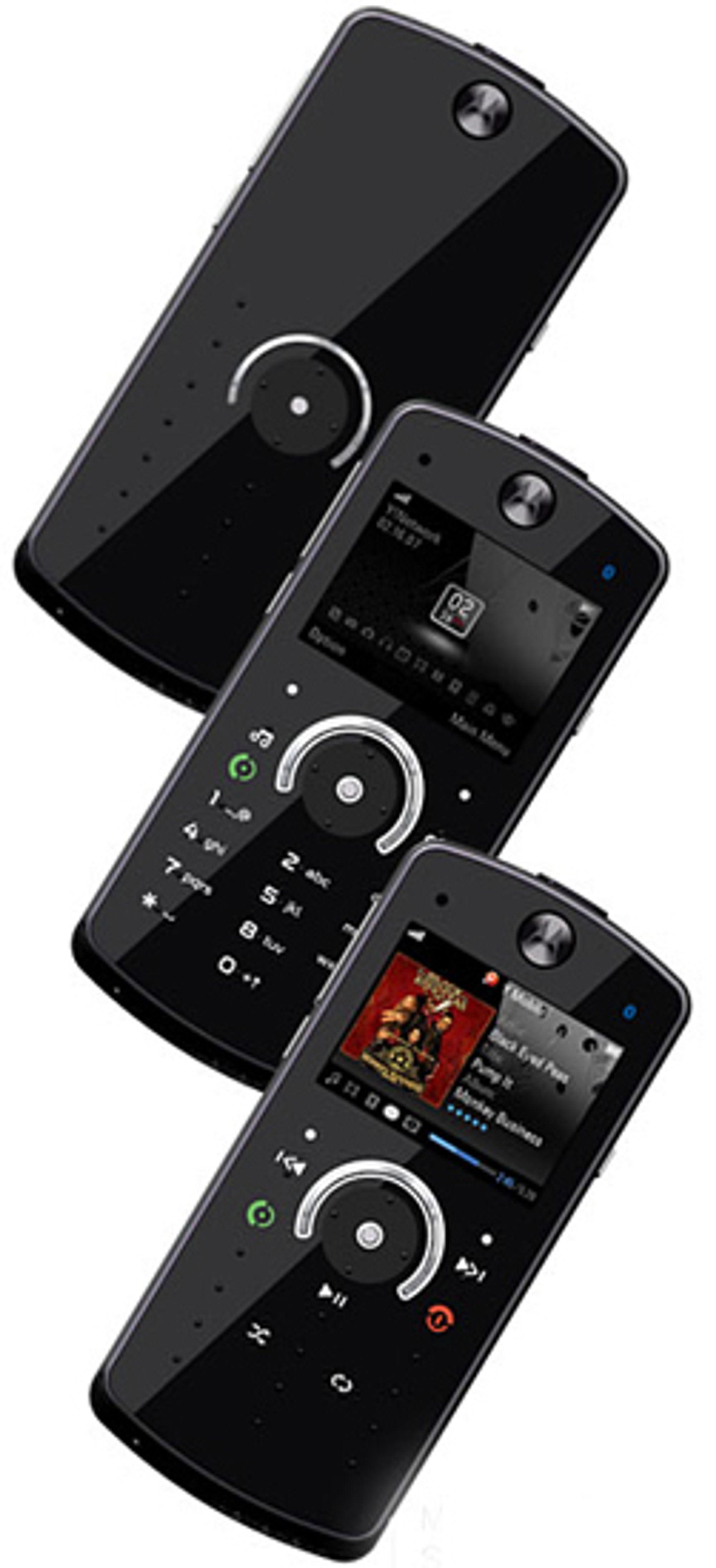 E8 har taster som foranderer seg etter hva du bruker telefonen til.