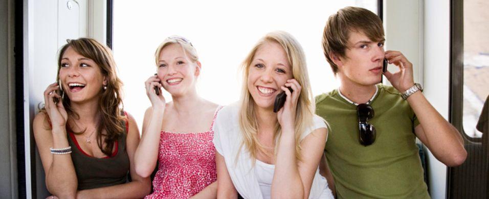 Post- og Teletilsynet mener du lures av operatørenes vennetjenester.