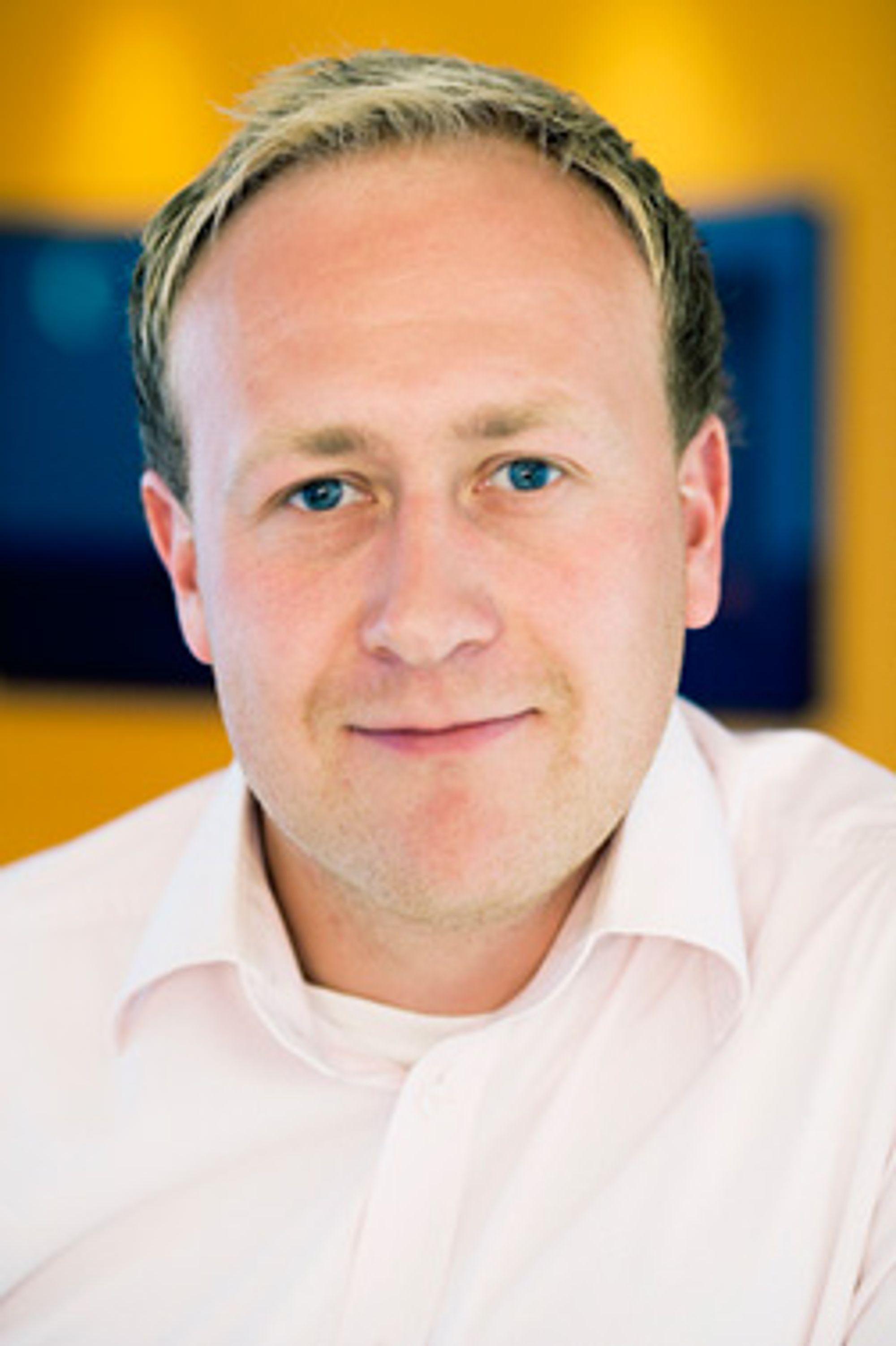 Øyvind Vederhus, kommunikasjonsrådgiver i Netcom, mener kameramobilen gir et mer oppdatert nyhetsbilde og enklere tilgang til informasjon.