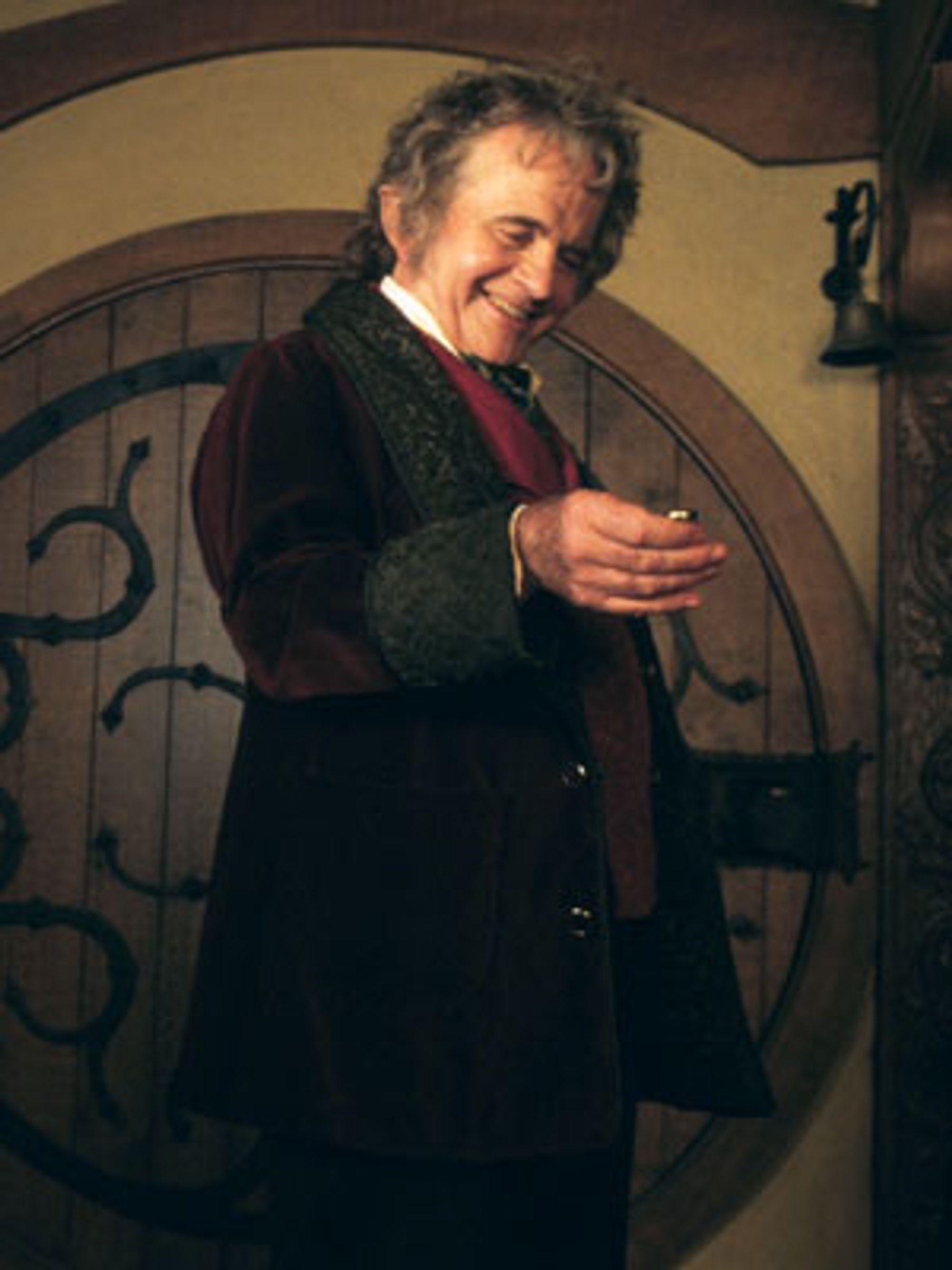 På grunn av et nytt søksmål mot New Line Cinema kan det drøye før vi får se Bilbo og ringen på kino igjen.