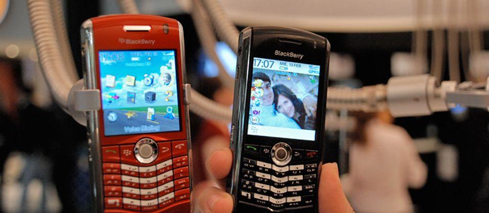 Blackberry 8110 og forgjengeren 8100.