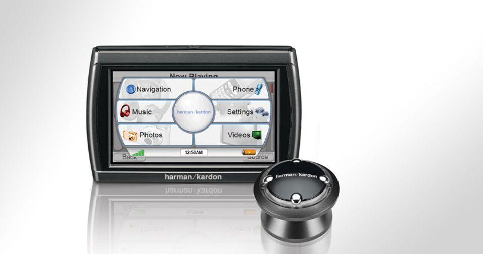 En fjernkontroll gjør det enkelt å bruke GPS-810.