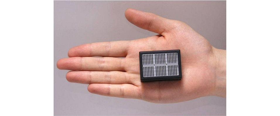 Denne lille saken har både brenselcelle og lithium-batteri.